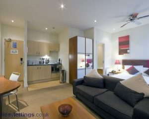 Triple Executive Apartment Bayswater W2-13