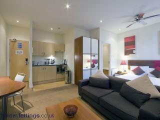 Triple Executive Apartment Bayswater W2-13