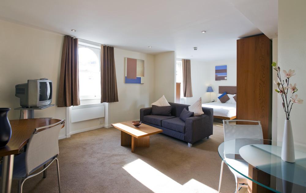 Quad Executive Apartment Bayswater-3