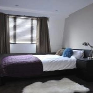 Fulham Road Apartment - Three Bedroom-0
