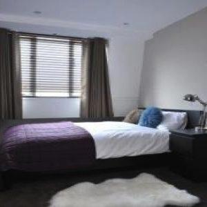 Fulham Road Apartment - Three Bedroom-0