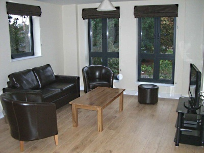 Lodge Drive Apartments - One Bedroom Apartment with Balcony-14820