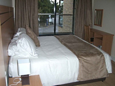 Lodge Drive Apartments - Deluxe Two Bedroom Apartment-0