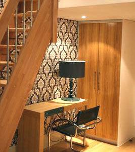 Hyde Park Suites - Four Person Duplex Apartment-0