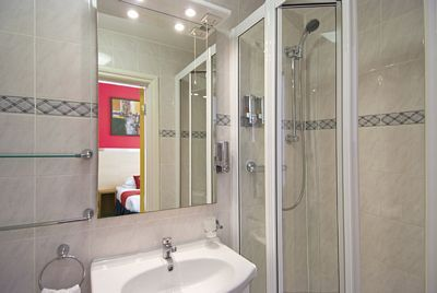 Comfort Inn and Suites. Kings Cross - Double Suite-13598