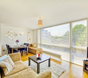 Kew Bridge Court Apartments - One Bedroom Apartment-0