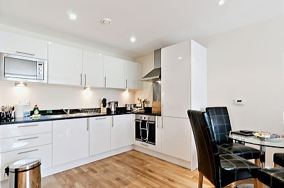 South Quay Apartments - Two Bedroom Penthouse Apartment-15847