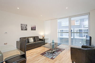 South Quay Apartments - Two Bedroom Penthouse Apartment-15853