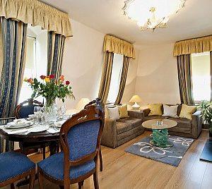 Carlton Court Apartments - Three Bedroom Apartment-13290