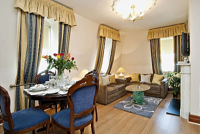 Carlton Court Apartments - Two Bedroom Duplex Apartment-13308