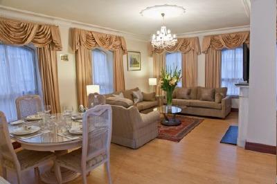 Carlton Court Apartments - Three Bedroom Apartment-13293