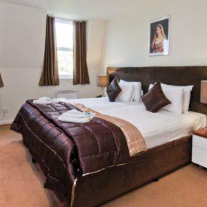 Grand Plaza Apartments - Duplex Three Bedroom Apartment-15774
