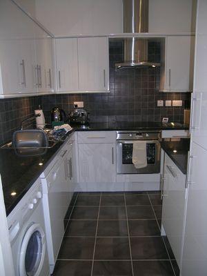Kew Gardens Road Apartment - Three Bedroom Apartment-14692