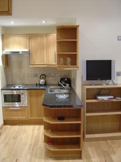 Hyde Park Suites 8 - One Bedroom Apartment-14544