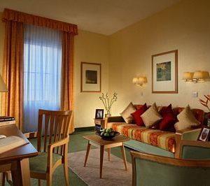 Trafalgar Square Apartments - Premier One Bedroom Apartment-13538
