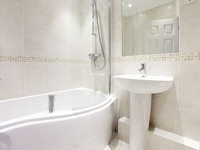 Kew Gardens Road Apartment - Three Bedroom Apartment-14696