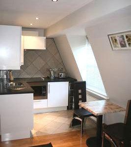 Hyde Park Suites 9 - Four Superior Studio Apartment-14585