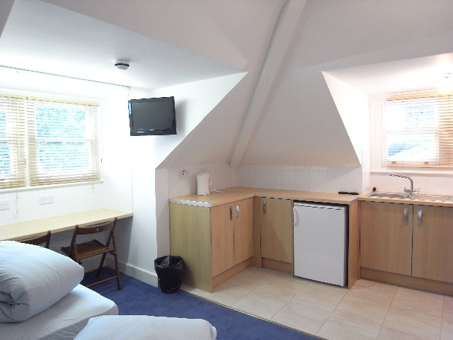 Fellows Road, Swiss Cottage - Twin Studio Apartment-16541