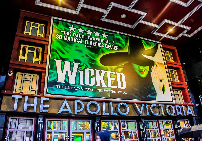 Apollo Victoria Theatre London Holiday Studios