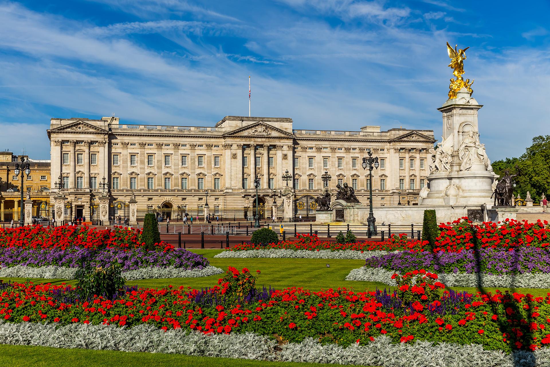 Buckingham Palace - London Holiday Studios